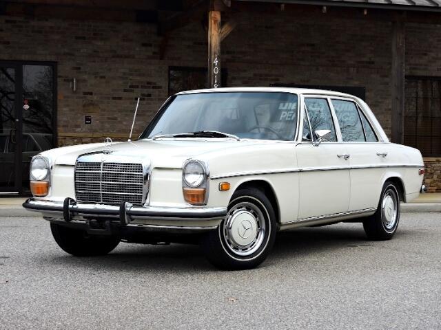 1973 Mercedes-Benz 220-Class M115
