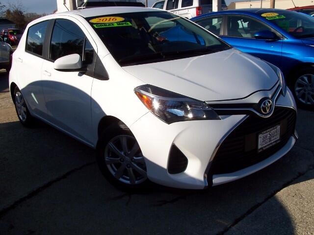 2016 Toyota Yaris LE 5-Door AT