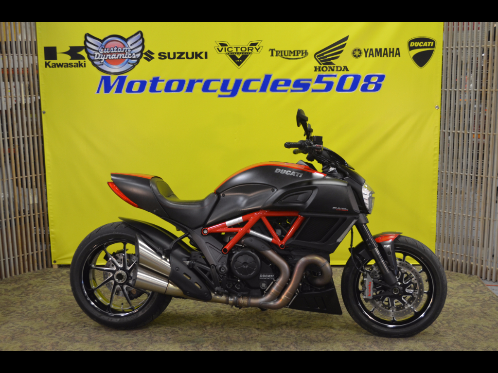 2015 Ducati Diavel Carbon Red