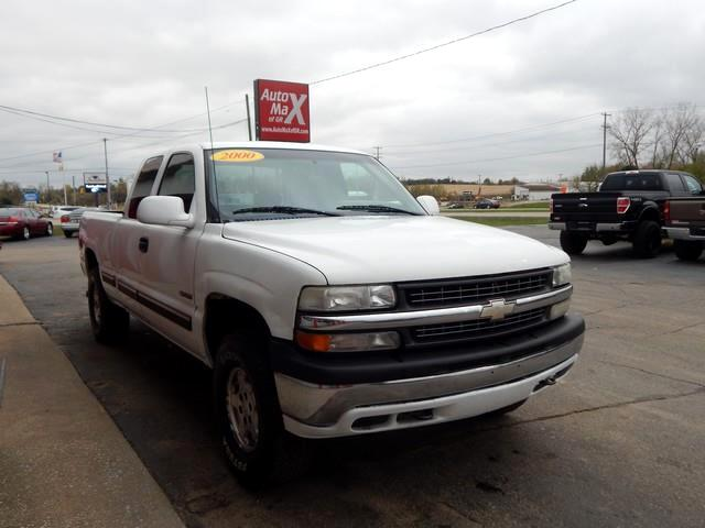 2000 Chevrolet Silverado 1500 LS Ext. Cab 3-Door Long Bed 4WD