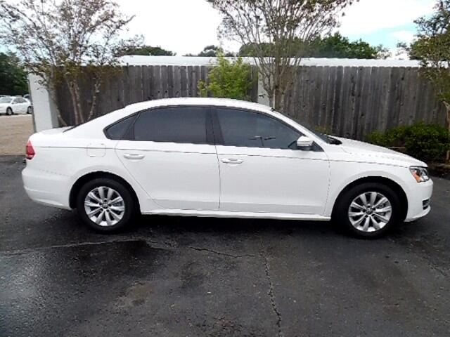 2013 Volkswagen Passat This vehicle has just arrived to our Service Center Dons Wholesale takes p