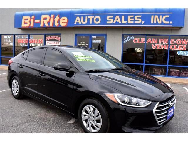 2017 Hyundai Elantra ONE OWNER LIKE NEW FACTORY WARRANTY