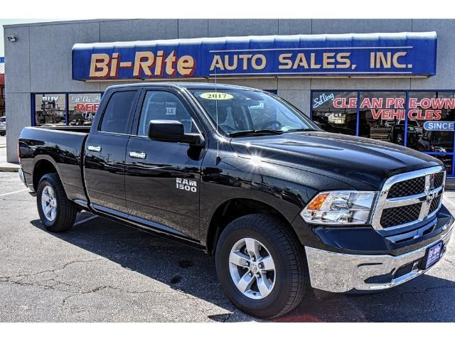 2017 RAM 1500 4X4 ONE OWNER FACTORY WARRANTY QUAD CAB