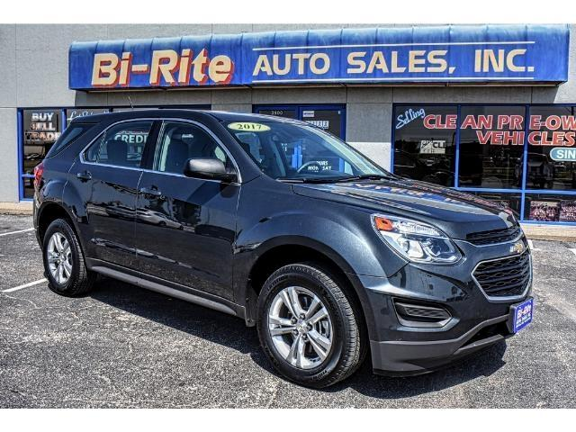 2017 Chevrolet Equinox ONE OWNER LIKE NEW FACTORY WARRANTY