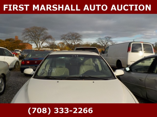 used 2001 volvo s60 2 4t for sale in harvey il 60426 first marshall auto auction. Black Bedroom Furniture Sets. Home Design Ideas