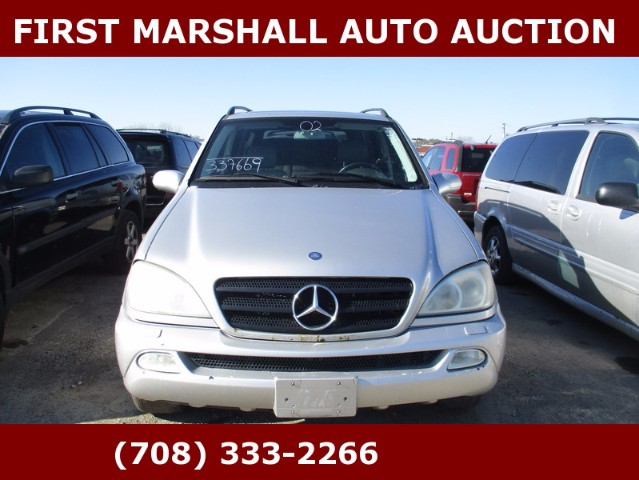 used 2002 mercedes benz m class ml320 for sale in harvey il 60426 first marshall auto auction. Black Bedroom Furniture Sets. Home Design Ideas