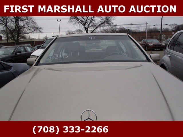 used 1997 mercedes benz s class s500 sedan for sale in harvey il 60426 first marshall auto auction. Black Bedroom Furniture Sets. Home Design Ideas