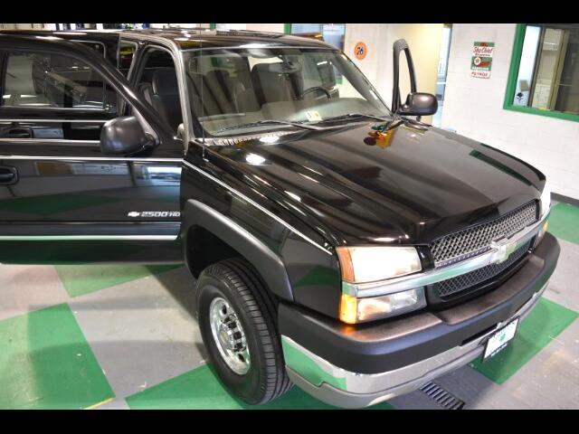 2004 Chevrolet Silverado 2500HD LS Crew Cab Short Bed 4WD