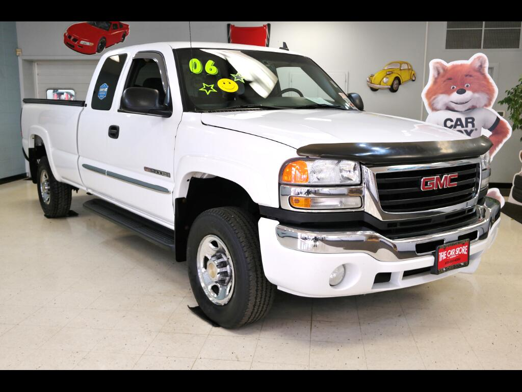 2006 GMC Sierra 2500HD SLE Ext. Cab Long Bed 2WD