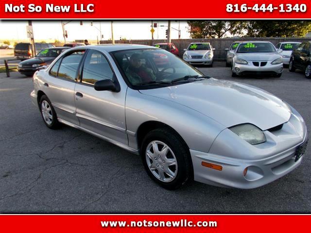 2002 Pontiac Sunfire SE sedan