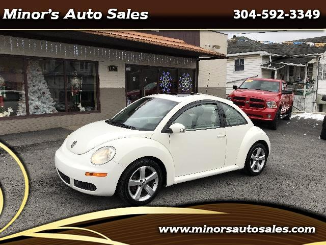2008 Volkswagen New Beetle white edition