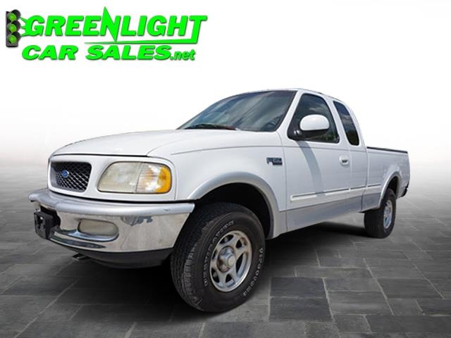 1997 Ford F-150 Supercab 139 4WD XL