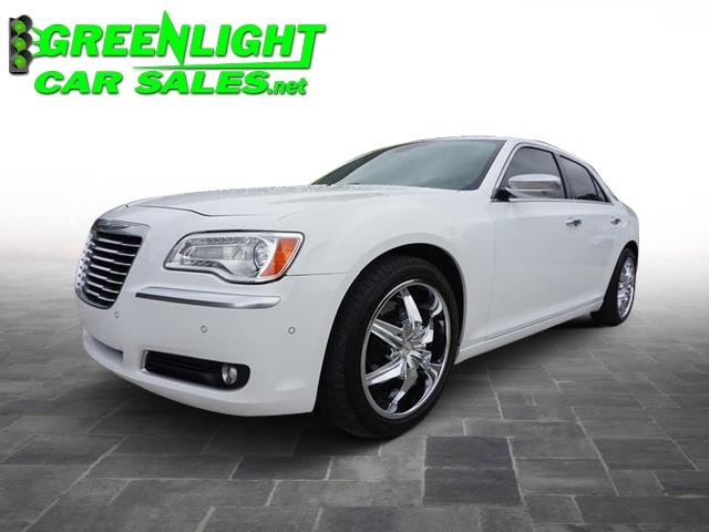 2013 Chrysler 300 Luxury Series RWD