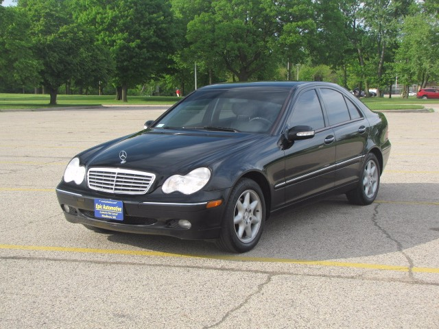 2004 Mercedes-Benz C-Class C240 Sedan