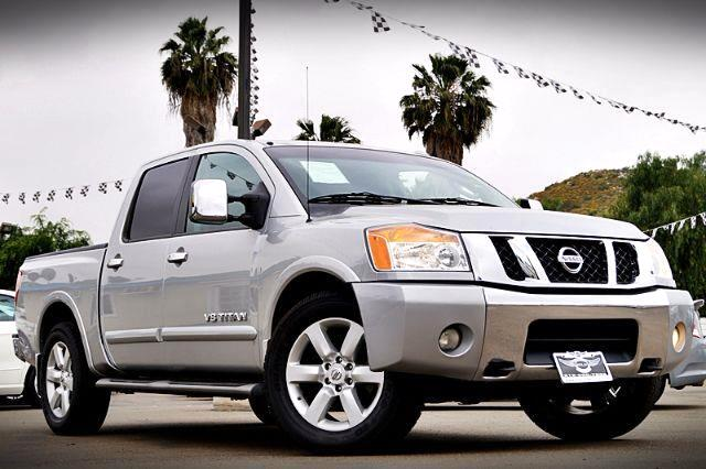 2009 Nissan Titan LE Crew Cab 2WD SWB