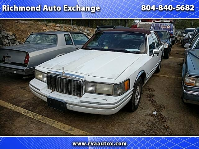 1993 Lincoln Town Car Sedan