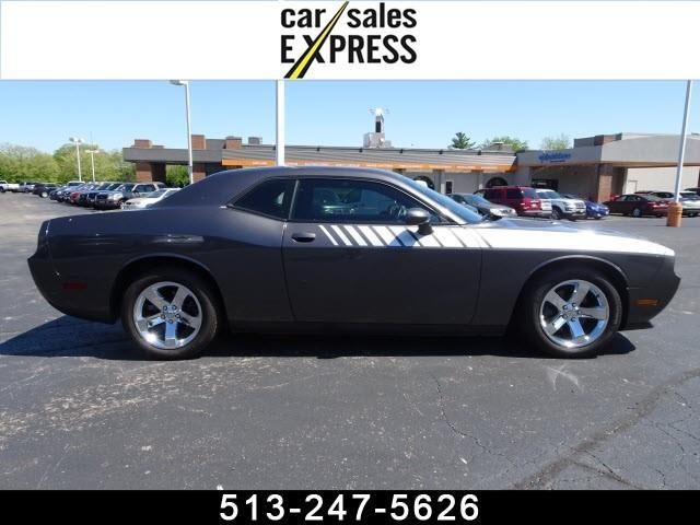2013 Dodge Challenger SXT 2dr Car