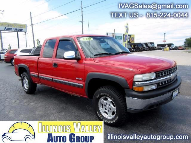 2000 Chevrolet Silverado 1500 LS Ext. Cab 3-Door Short Bed 4WD