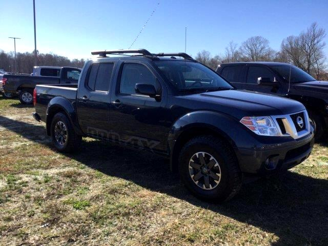 2015 Nissan Frontier PRO-4X Crew Cab 6MT 4WD