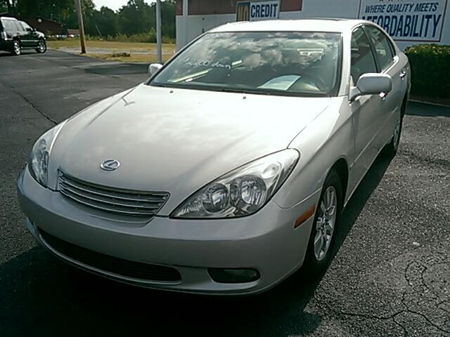 2002 Lexus ES 300 Visit Carolina Auto Mall online at wwwcarolinaautomallnet to see more pictures