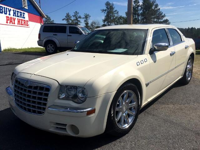 2005 Chrysler 300 Visit Carolina Auto Mall online at wwwcarolinaautomallnet to see more pictures