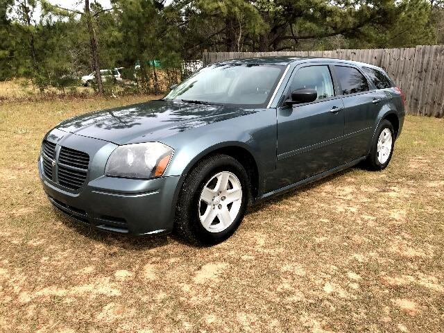 2005 Dodge Magnum Visit Carolina Auto Mall online at wwwcarolinaautomallnet to see more pictures