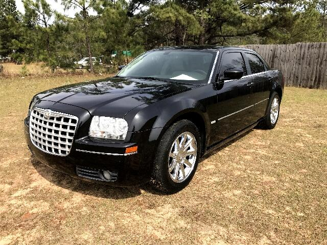 2006 Chrysler 300 Visit Carolina Auto Mall online at wwwcarolinaautomallnet to see more pictures