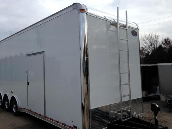 2015 United Trailer 30 FT Sprint Car Trailer