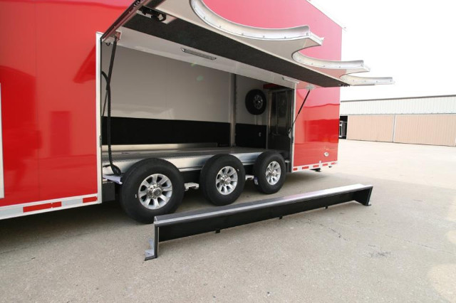 2016 Intech Trailers Stacker 28 ft plus 2ft wedge nose Stacker