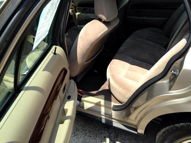 2003 Mercury Grand Marquis GS Convenience