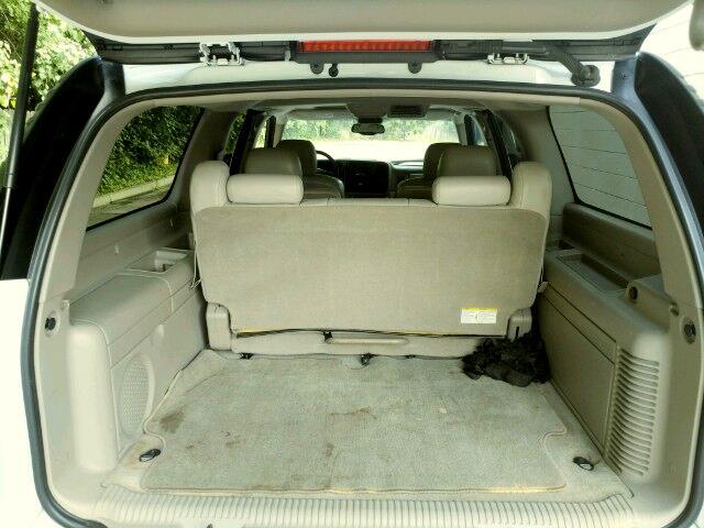 2006 Chevrolet Suburban 1500 2WD