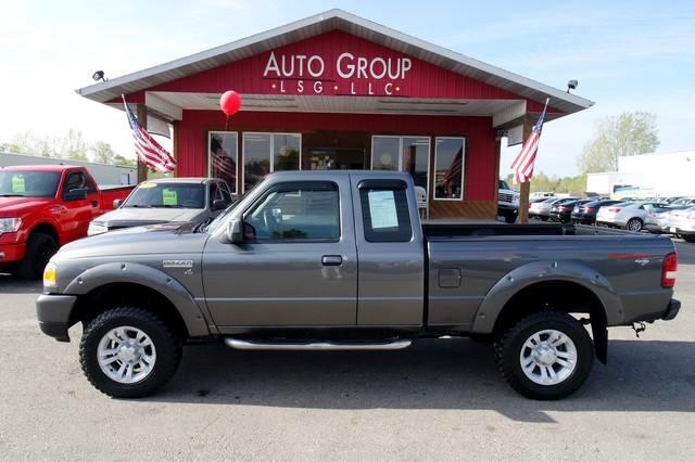 2007 Ford Ranger Tow Package RELIABLE 4X4 Good for working in - easy to clean interior with cloth