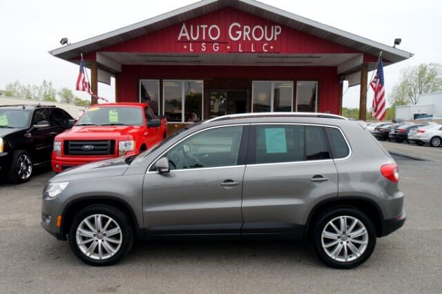 2010 Volkswagen Tiguan Heated Leather Seats Luggage Rack XM Ready This Volkswagen Tiguan is a comp