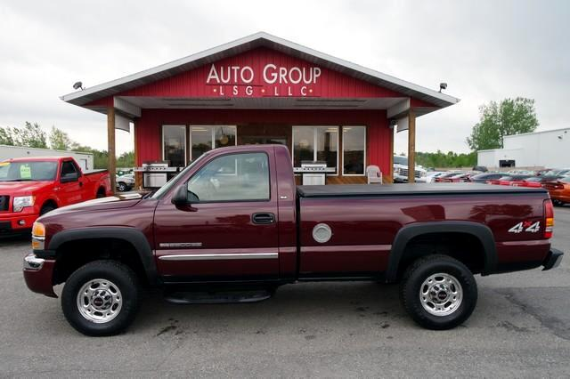 2003 GMC Sierra 2500HD DualZone Temp Tow Package Long Box Take a look at the beefed-up powered-up