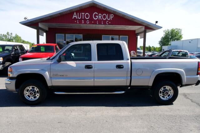 2006 GMC Sierra 2500HD Think of this truck as a professional grade tool for work with the durabilit