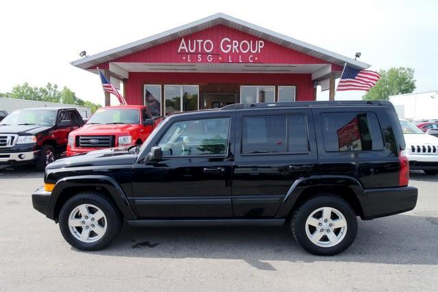 2007 Jeep Commander This Jeep Commander can haul up to seven people and a lot of stuff just about a