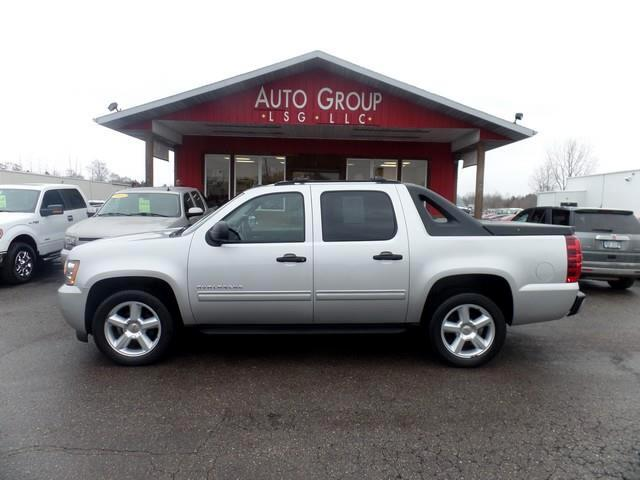2011 Chevrolet Avalanche Adventure seems to follow a certain kind of person and our 2011 Chevrolet