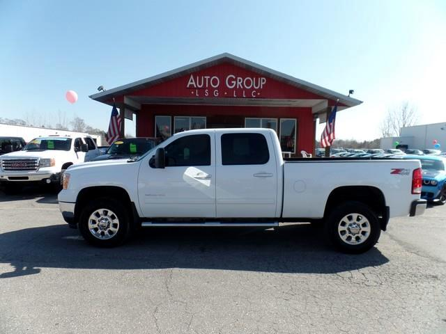 2012 GMC Sierra 2500HD Professional Grade is aiming squarely between the competitions eyes with the