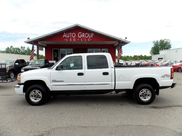 2004 GMC Sierra 2500HD If you need to do some massive hauling this 2004 GMC Sierra 2500HD SLE may b