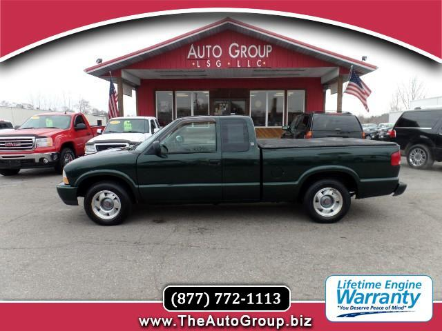 2001 GMC Sonoma Our 2001 GMC Sonoma is one of the most capable compact trucks on the market - it si