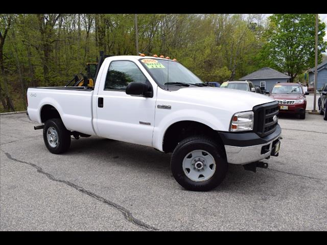 2006 Ford F-350 SD Reg Cab 137' XL 4WD