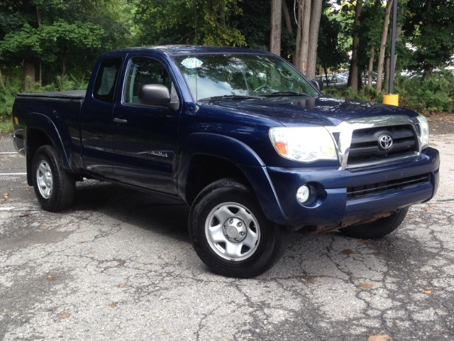 used 2006 toyota tacoma access cab v6 4wd for sale in wappingers falls ny 12590 verdi motors inc. Black Bedroom Furniture Sets. Home Design Ideas