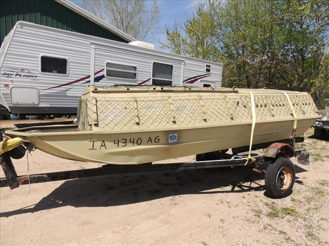 Used 1995 crestliner flat bottom boat for sale in greene for Greenes boat and motor