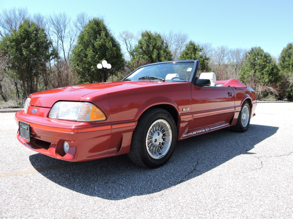 1987 Ford Mustang GT Deluxe Convertible