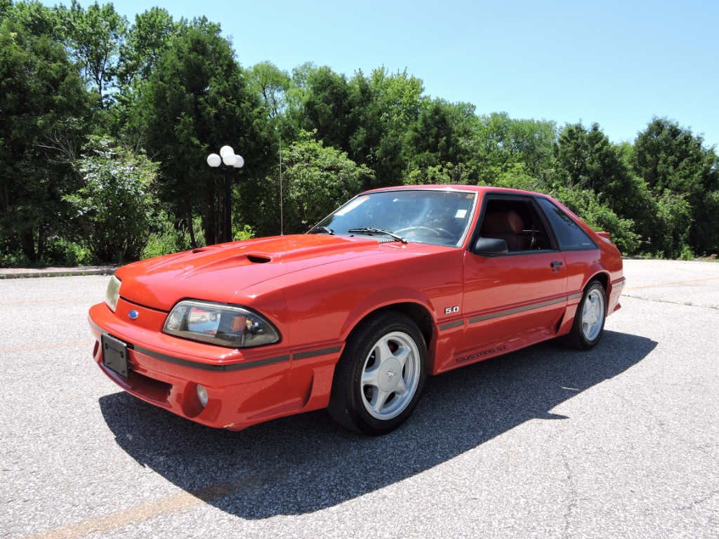 1987 Ford Mustang GT 2-Door Hatchback