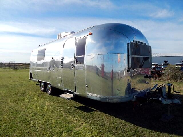 1967 Airstream Land Yacht