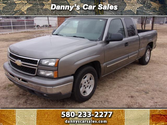 2006 Chevrolet Silverado 1500 LT Ext. Cab 4-Door Short Bed 2WD