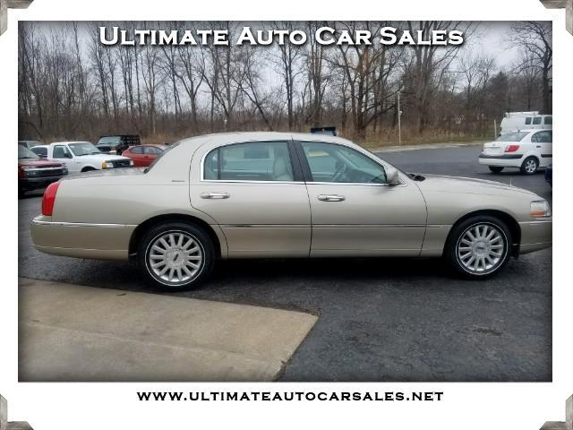 2004 Lincoln Town Car Signature