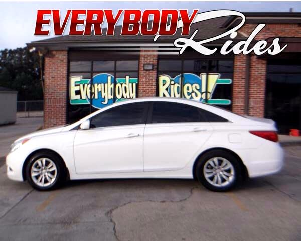 2011 Hyundai Sonata Visit Everybody Rides 2 online at wwweverybodyrides1com to see more pictures