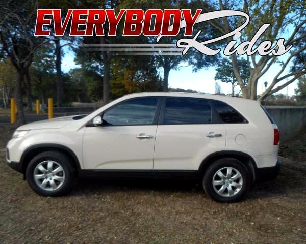 2012 Kia Sorento Visit Everybody Rides 2 online at wwweverybodyrides1com to see more pictures of